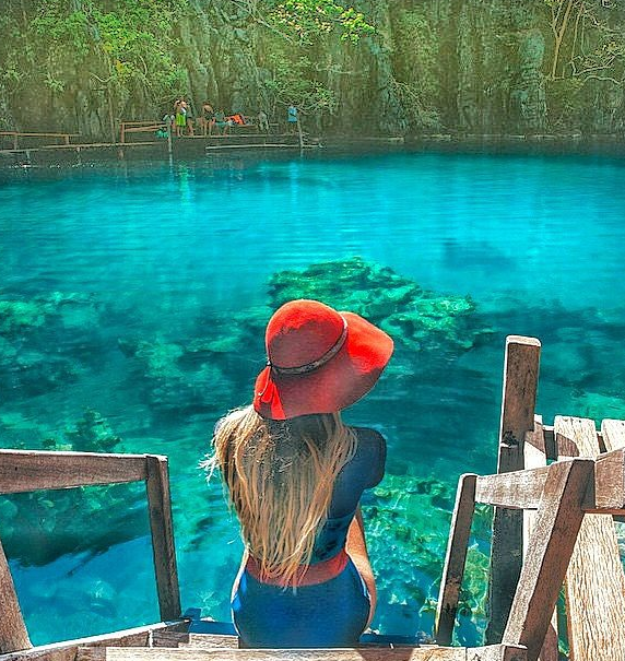 Kayangan Lake,Coron, Philippines Photo by  @shotbygrace_