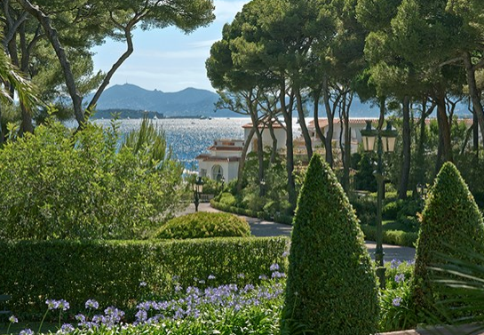 Photo Courtesy of Hotel du Cap Eden-Roc
