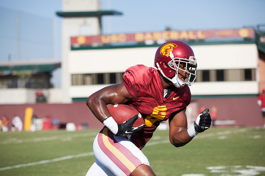 USC's Sophomore Sensation JuJu Smith-Schuster is the leading receiver in the PAC-12. (Photo by Ralf Cheung)