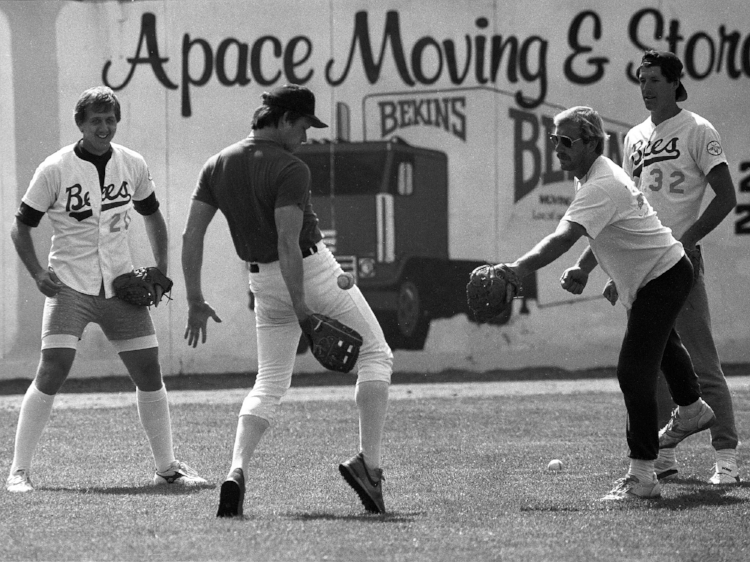 Sports Illustrated's Tom Verducci writes about the 1986 San Jose Bees, an eclectic independent league baseball team. (Photo by Jose Luis Villegas)