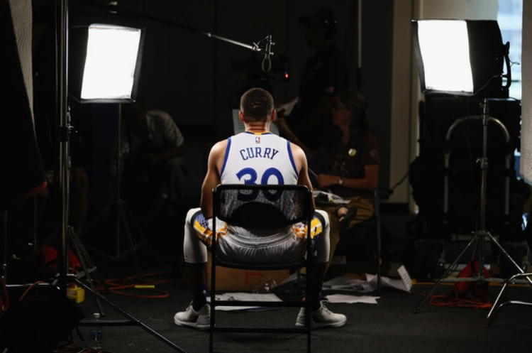 Steph Curry looked fresh and rested at Warriors' media day in Oakland this week. The season opener vs. the Spurs is October 25th at Oracle. (photo by Ezra Shaw)