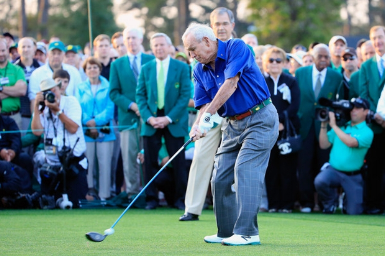 Arnold Palmer in full swing at the 2015 Master's in Augusta, Georgia. (Photo by Jamie Squire)