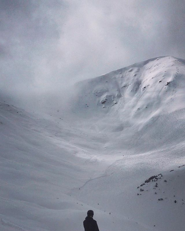 Lean into it. #marmotbasin #myjasper #rockymountains #alberta