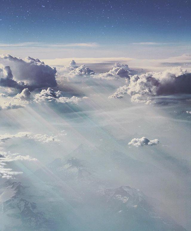 #cloudporn #skyscape #lightbeamz #skylines #skylight #skyart