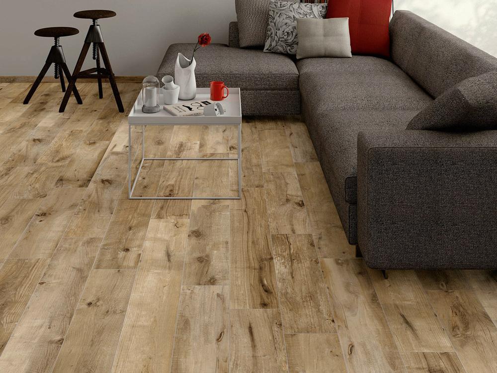 ceramic-tile-looks-like-wood-planks-dakota-flaviker.jpg