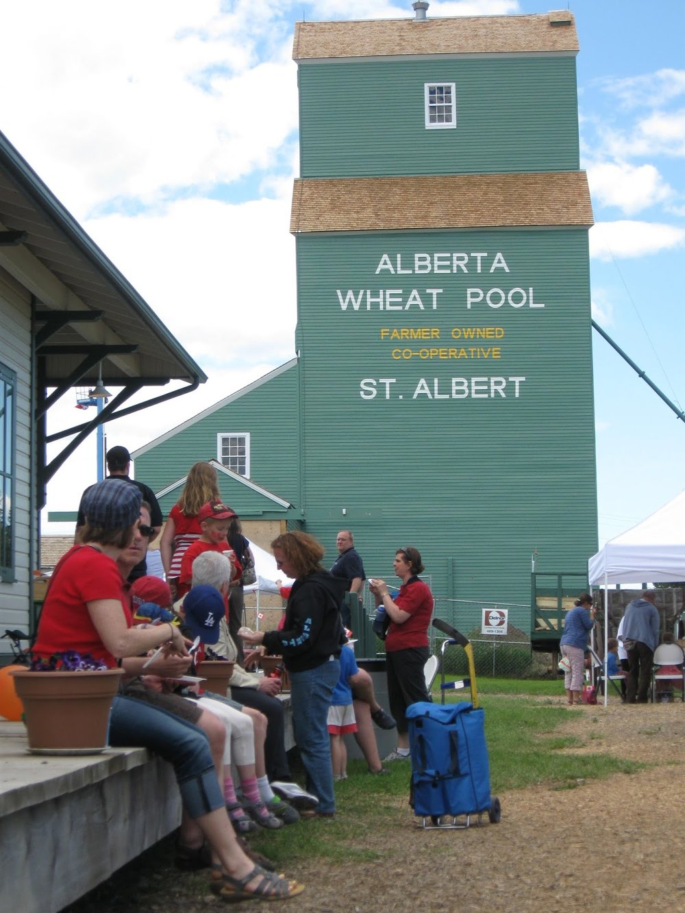 stalbert-Visitors-to-the-newly-restored-grain-elevators-on-Canada-Day.jpg