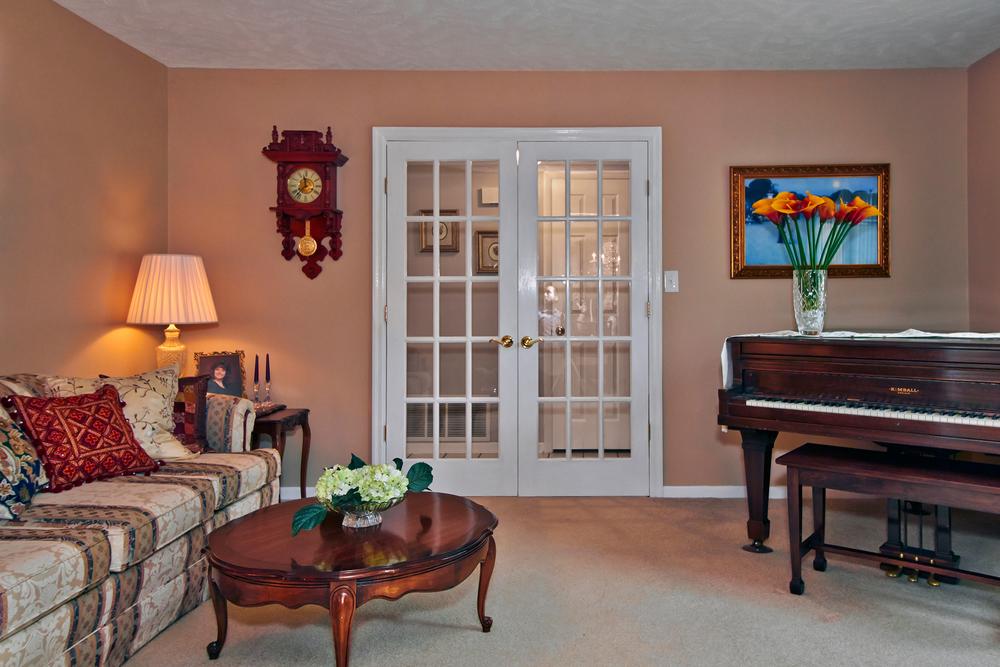 Piano Lounge.jpg