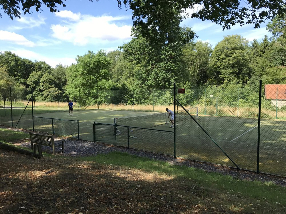 vakantie tennisveld ardennen