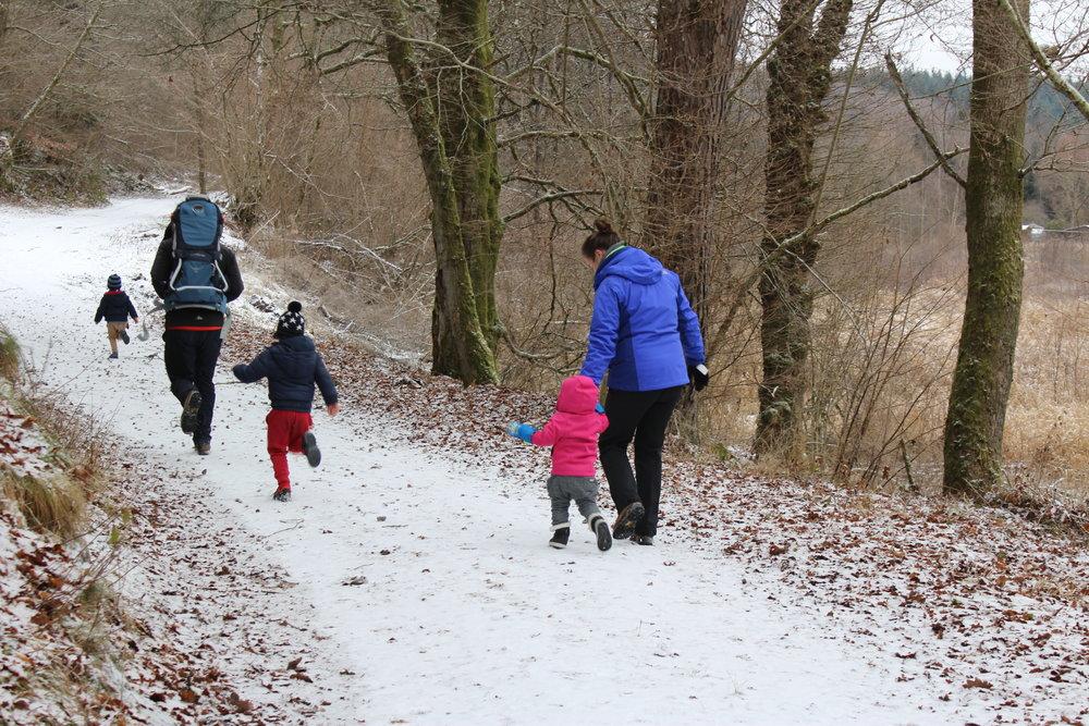 Met een deel van de schoonfamilie een paar dagen genieten van de sneeuw in Porcheresse.