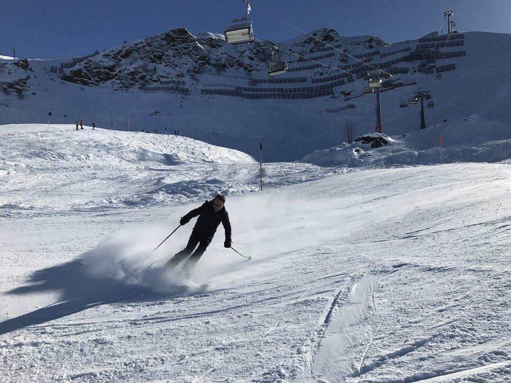Skiën in Schruns , Montafon. Heerlijke shortski met goeie sneeuw, zon, goed gezelschap en rösti.