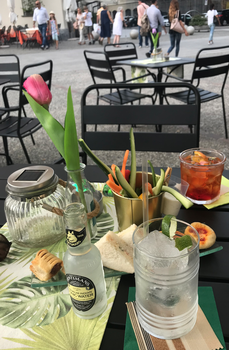 cocktailbar como.png