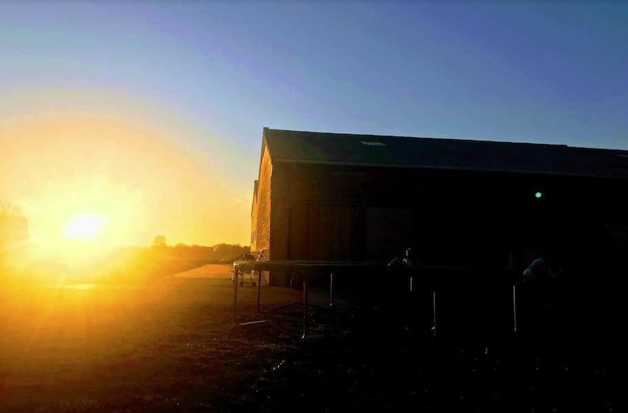 sunset hof ter lo.png