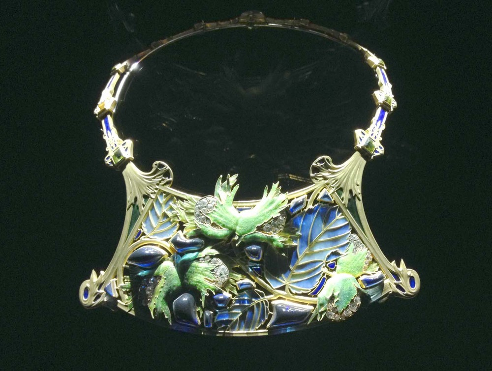 leaf necklace-art nouveau jewelry