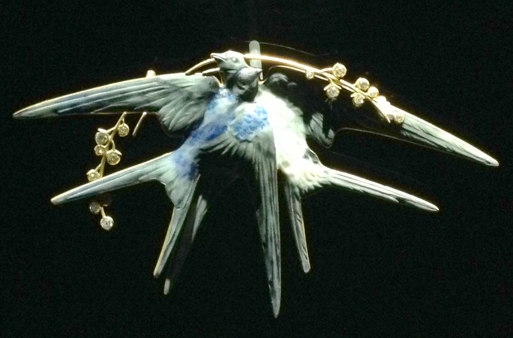 Vinatge bird pin