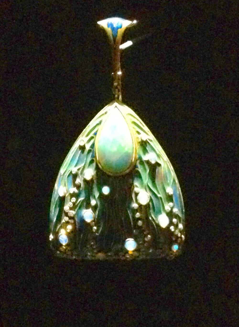 Art nouveau opal pendant