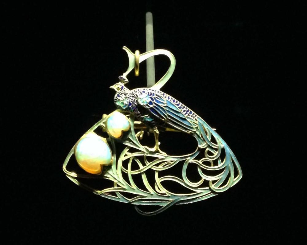 peacock-pearls.jpg