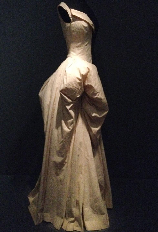 james-muslin-gown.jpg