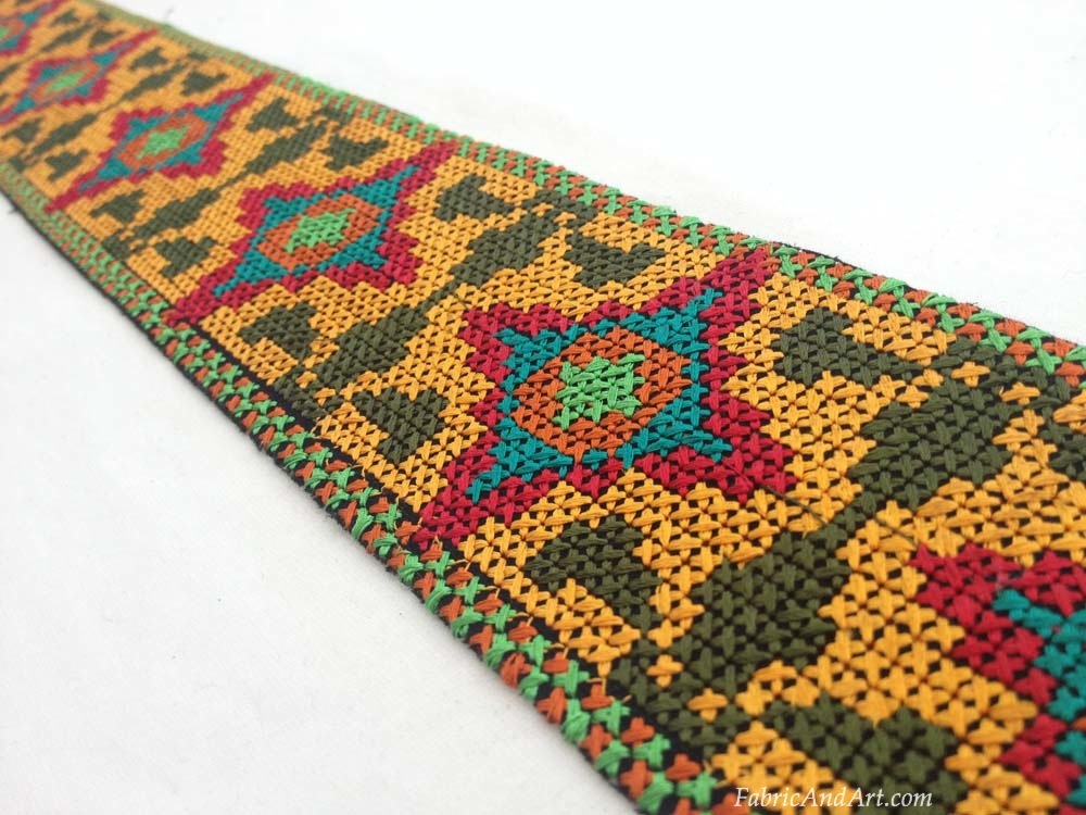 Native design ribbon
