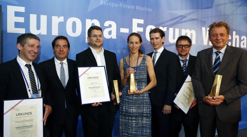 [Bundesminister Sebastian Kurz hat im Rahmen des Europaforums Wachau im Stift Göttweig den ersten Europa-Staatspreis überreicht. 13. Juni 2015]