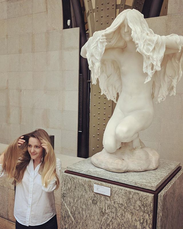 Trying not to take things too seriously... * * 📸: @peleyal * * * #latergram #lastyear #paris #museum #museedorsay #longhair #smiles #goofball #interactwithart #artiseverywhere