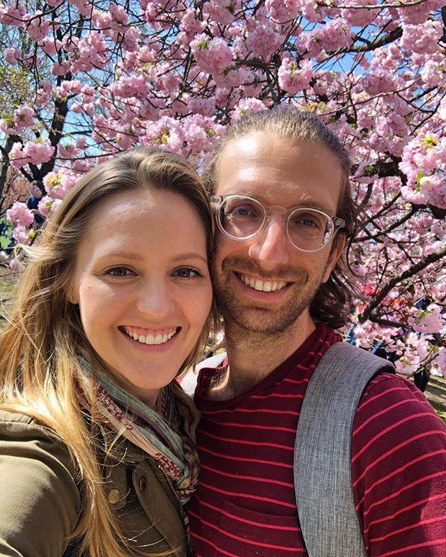 Windswept Lovers of Cherry Blossoms 🌸🌸🌸 * * * #sundayafternoon #brooklyn #nyc #brooklynbotanicgarden #cherryblossoms #followingthemeverywhere #smiles #nature #beauty #getoutside