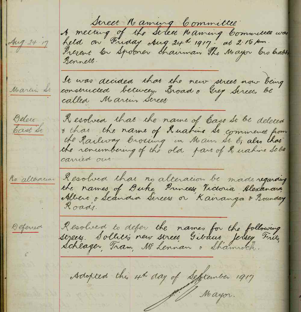 Figure 1: Palmerston North City Council minute book entry showing the decision to name the newly constructed road Martin Street on 4 September 1917. Reference: Minutes of Council Meetings, 1914-1917, Volume 7, Series 1/1/1, Ian Matheson City Archives.