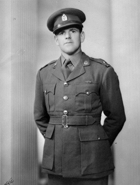 Figure 3: Keith Elliott wearing the Victoria Cross ribbon, circa 1942. Source: Evening Post Collection, Alexander Turnbull Library, ref: DA-01989-F URL: http://mp.natlib.govt.nz/detail/?id=12411