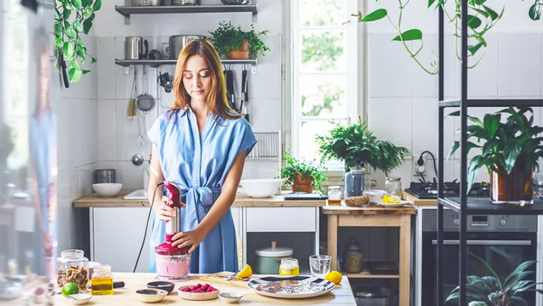 FALL IN LOVE WITH COOKING <br>with mindbodygreen