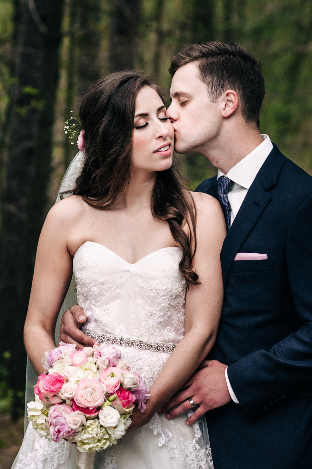 http://www.everylittlewonder.com/chris-and-jessicas-wedding/