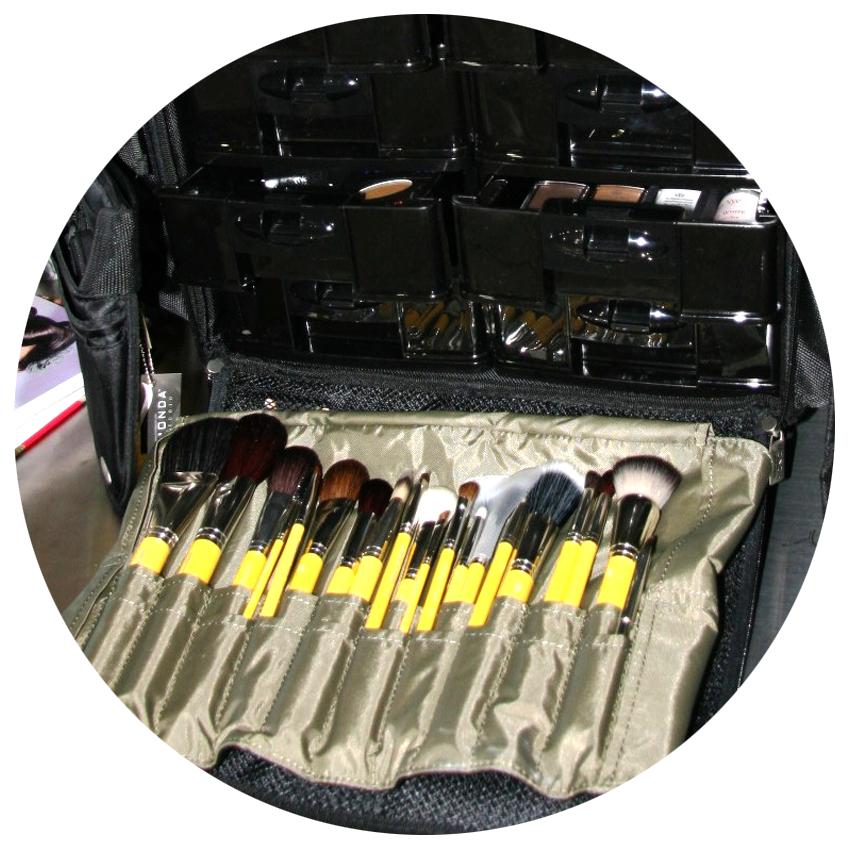 Makeup-kit-2.png