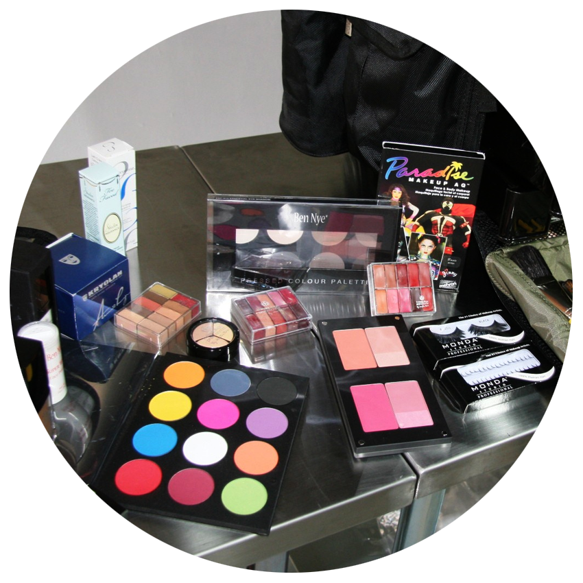 Makeup-kit-6.png