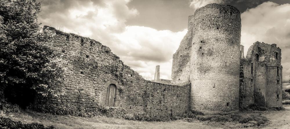 Lassey chateau 1_Panorama1-Edit.jpg