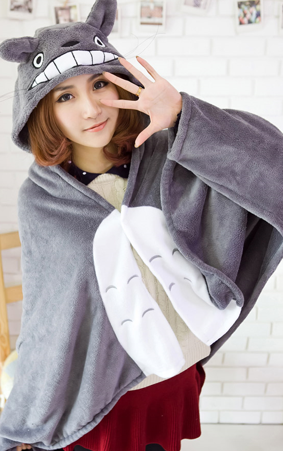 Totoro Cloak 1.jpg