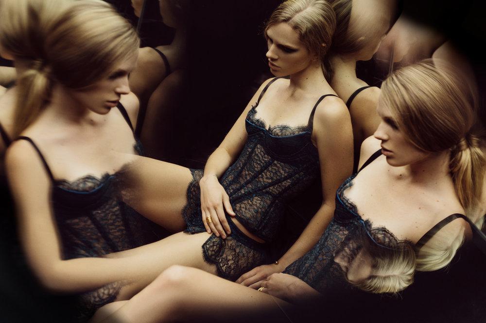 gia_goodrich_beauty_fashion_photographer_janes_vanity_lingerie_winter_look_book_s_04.jpg