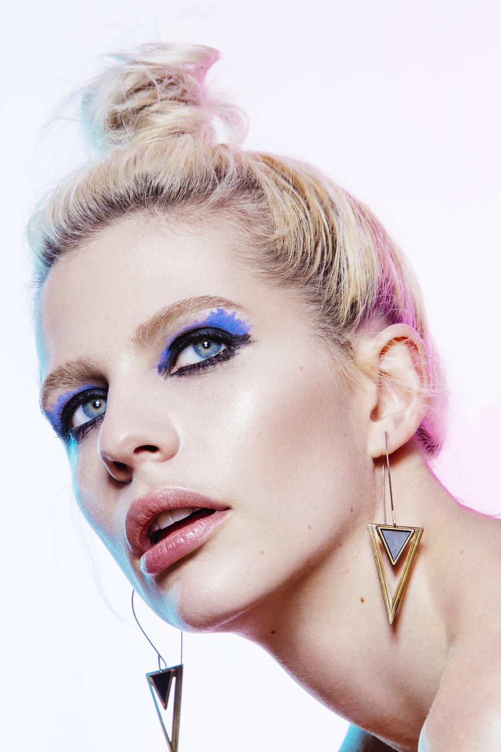beauty_and_fashion_photographer_gia_goodrich_beauty_editorial_anna_caroom_makeup_trends_fall_winter_black_eyeliner_look4_08.jpg