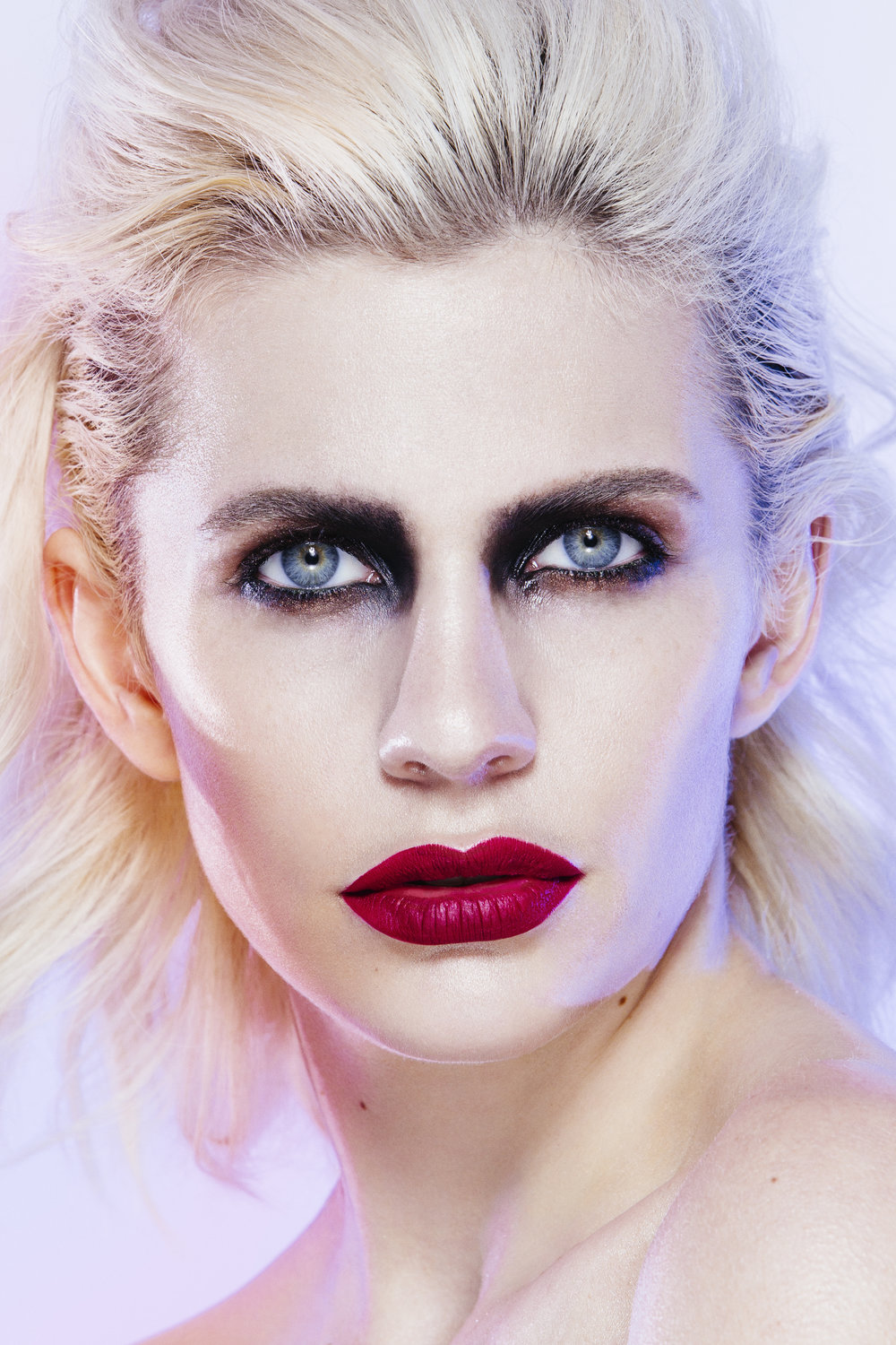 beauty_and_fashion_photographer_gia_goodrich_beauty_editorial_anna_caroom_makeup_trends_fall_winter_black_eyeliner_look5_10.jpg
