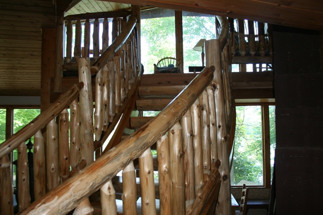 curved-log-stairs