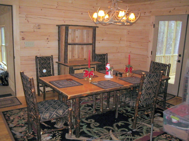 hickory-dining-table-hutch.JPG
