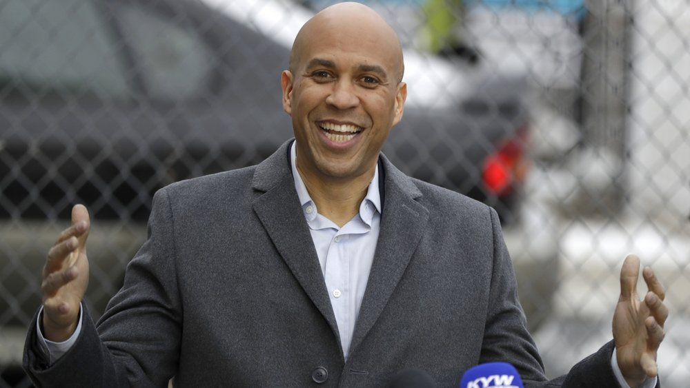 Cory Booker (D) - Cory Booker served as the Mayor of Newark, NJ from 2006 to 2013. He has served as a United States Senator since 2013.