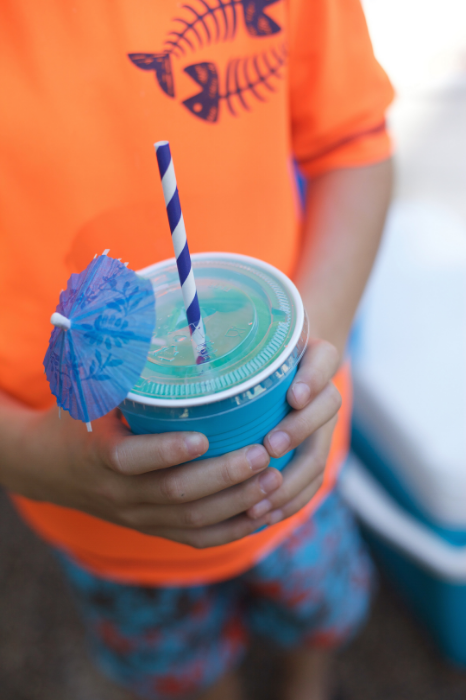 MAKE OCEAN WATER wITH BLUE RASPBERRY LEMONADE.