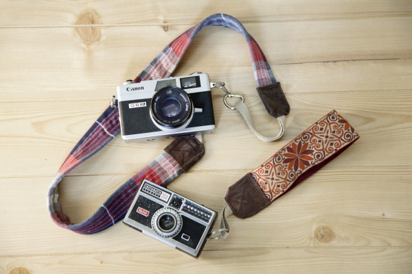 modcloth blog - camera strap DIY