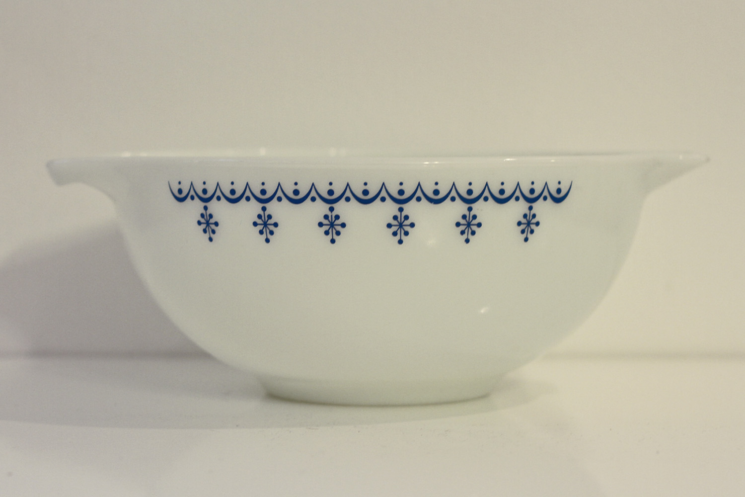 Thrift Store Finds: Snowflake Pyrex// Thrifted