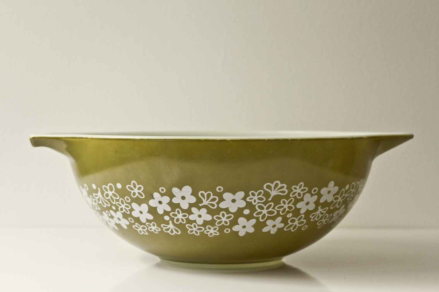 Thirft Store Finds: Vintage Crazy Daisy or Spring Blossom Green Pyrex// Thrifted