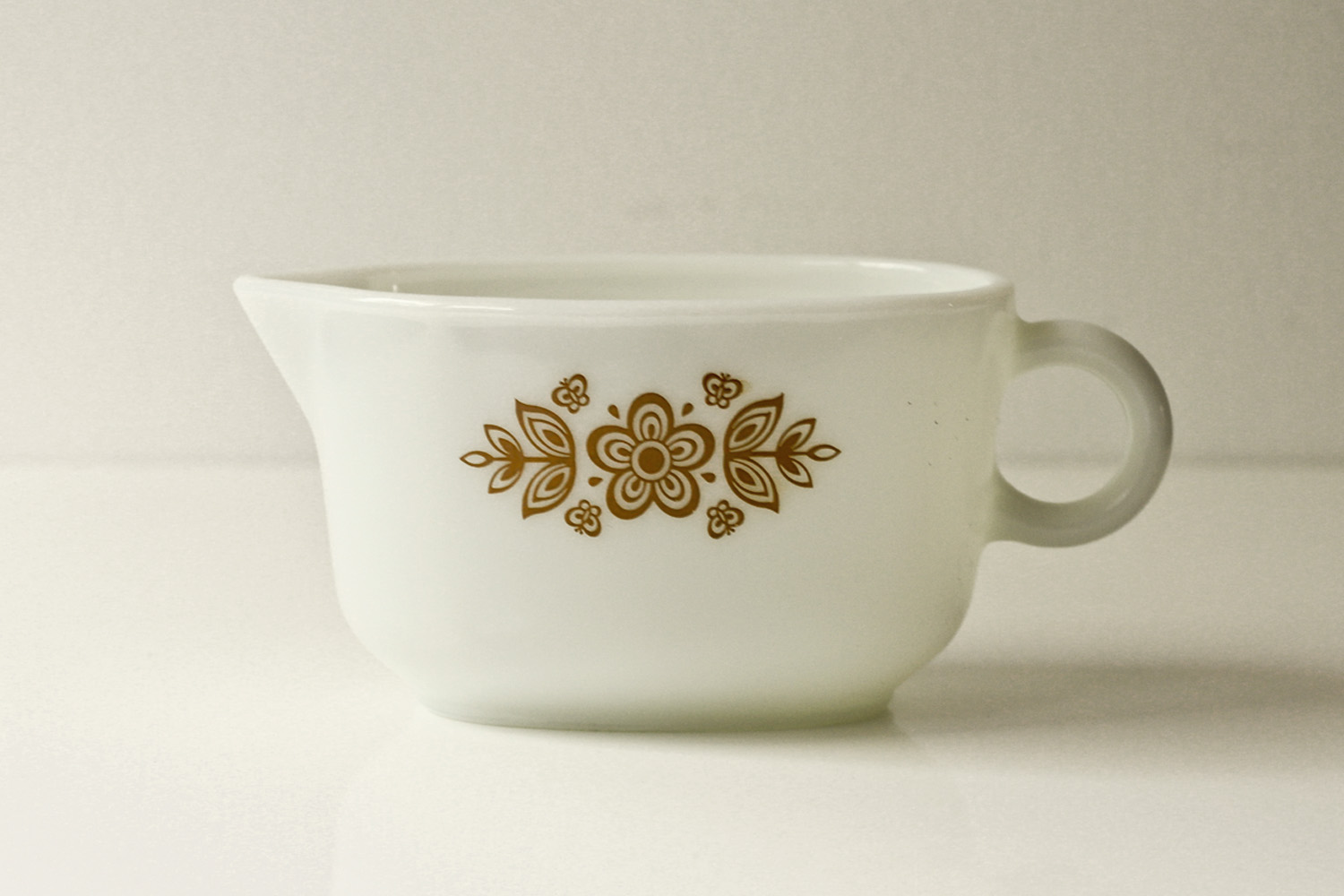 Thrift Store Finds:Vintage Butterfly Gold Pyrex Gravy Boat// Thrifted