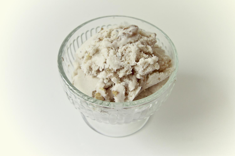 Maple Walnut Vegan Ice Cream// Thrifted
