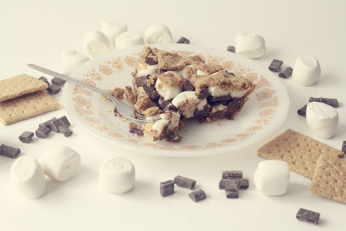 Vegan S'More Pie! // Thrifted