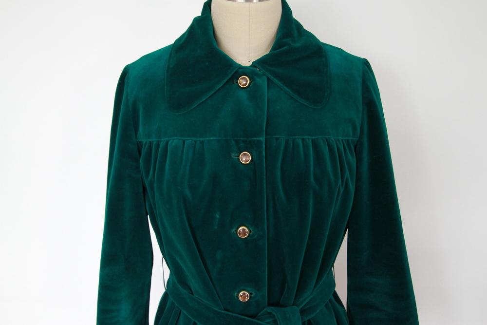 emeraldgreenvelvetcoat