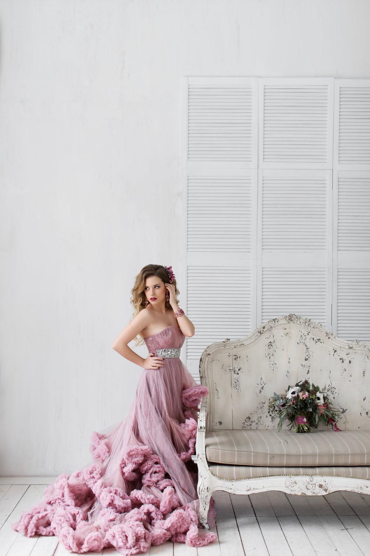 Stylish-Designer-Wedding-Flowers-536836793_3333x5000.jpeg