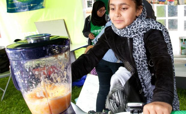 SUSTRANS Smoothie bike. Using fresh fruit and veg to make smoothies.