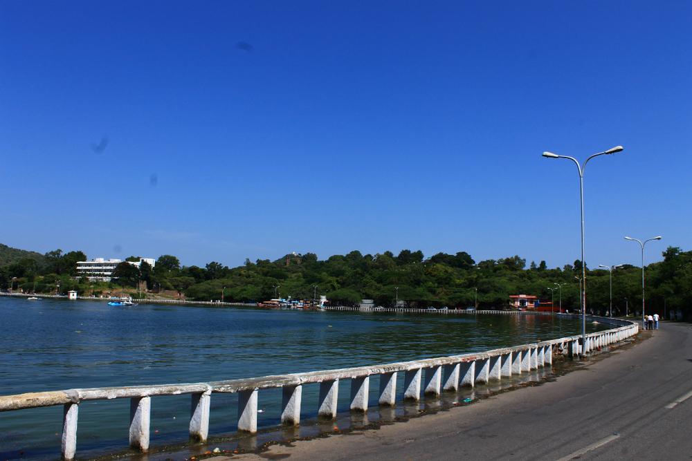 Fateh Sagar lake.jpg